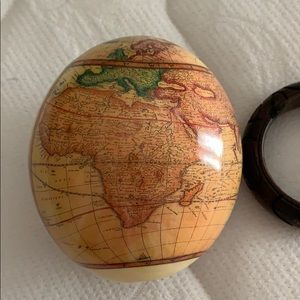 Other - Vintage Unique Ostrich Egg World map with stand